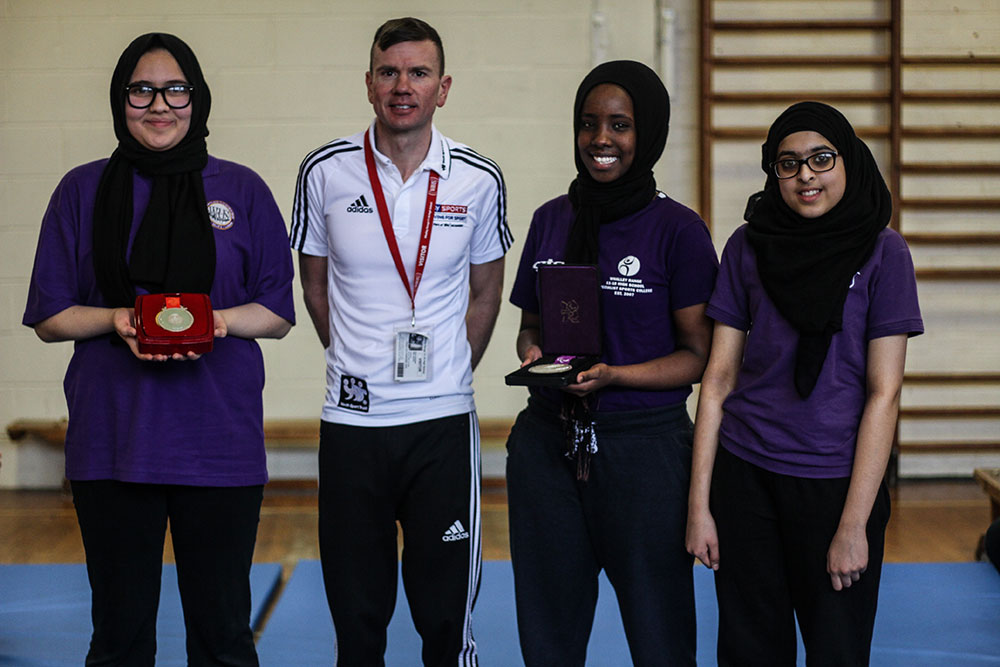 Students meet Rik Waddon, ex professional paralympic cyclist